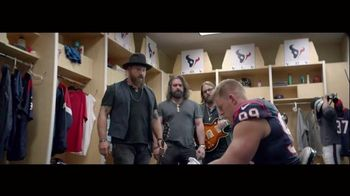Bose TV Spot, 'Music Deserves Bose' Featuring J.J. Watt, Zac Brown Band - Thumbnail 5