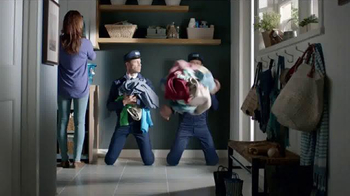 Maytag Washers & Dryers TV Spot, 'Tough Loads' Featuring Colin Ferguson - Thumbnail 7