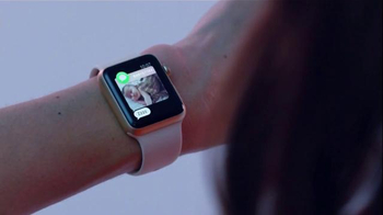 Apple Watch TV Spot, 'Date' Featuring Lake Bell, Song by Brenton Wood - Thumbnail 4