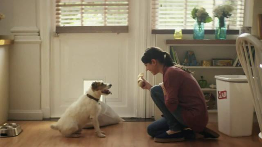 Glad ForceFlex TV Commercial, 'Dog Bone'
