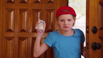 Topps Cards TV Spot, 'Rediscover' Featuring Buster Posey - Thumbnail 4