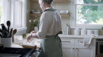Marie Callender's Chicken Pot Pie TV Spot, 'Catching Up With Family' - Thumbnail 2