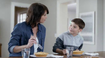 Marie Callender's Chicken Pot Pie TV Spot, 'Catching Up With Family' - Thumbnail 8