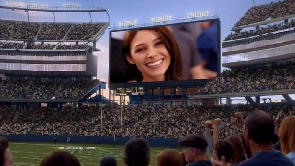 Crest TV Commercial, 'Pantalla grande'
