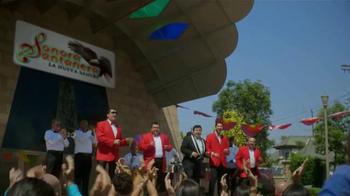 Xoom TV Spot, 'Mario Díaz recomienda Xoom' canción de Sonora Santanera - Thumbnail 4