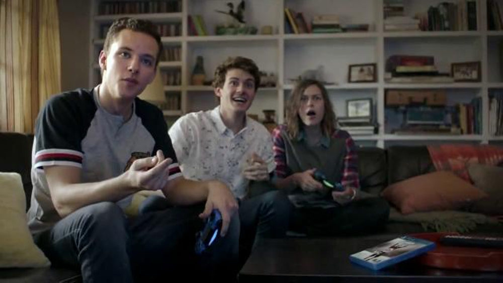 NHL 16 TV Commercial, 'Play Together. Win Together.' Featuring Kevin Smith