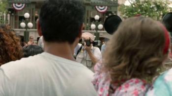 Disney Parks & Resorts TV Spot, 'Junto sucede aquí' [Spanish] - Thumbnail 3