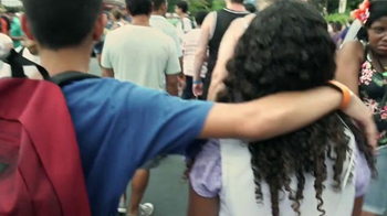 Disney Parks & Resorts TV Spot, 'Junto sucede aquí' [Spanish] - Thumbnail 9