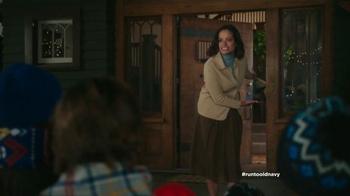 Old Navy TV Spot, 'Coro de Navidad' con Judy Reyes [Spanish] - Thumbnail 3
