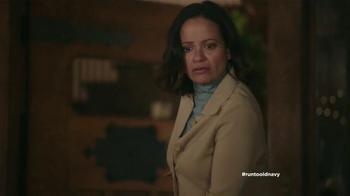 Old Navy TV Spot, 'Coro de Navidad' con Judy Reyes [Spanish] - Thumbnail 4