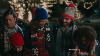 Old Navy TV Spot, 'Coro de Navidad' con Judy Reyes [Spanish] - Thumbnail 5