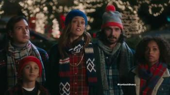 Old Navy TV Spot, 'Coro de Navidad' con Judy Reyes [Spanish] - Thumbnail 7