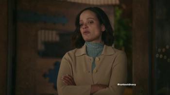 Old Navy TV Spot, 'Coro de Navidad' con Judy Reyes [Spanish] - Thumbnail 8