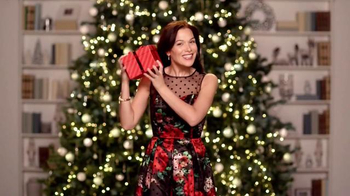 JCPenney Wrap It Up Sale TV Spot, 'Last-Minute Gifts' - Thumbnail 1
