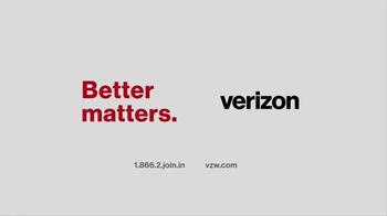 Verizon TV Spot, 'Gift of a Better Network' - Thumbnail 8