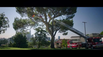 Jack in the Box Chipotle Chicken Club TV Spot, 'Fireman' - Thumbnail 2