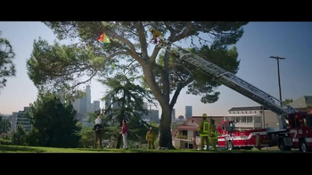 Jack in the Box Chipotle Chicken Club TV Spot, 'Fireman' - Thumbnail 6