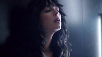 Yves Saint Laurent Beauty Black Opium TV Spot, 'Tunnel' Song by Emma Louise