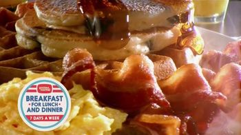 Golden Corral Breakfast TV Spot, 'Peaches and Cream Waffles'
