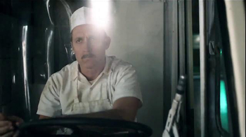 Farmers Insurance TV Spot, 'Turkey Jerks' Featuring J.K. Simmons - Thumbnail 4