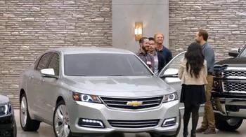 Chevrolet Holiday Bonus Tag TV Spot, 'Holiday Deals: Equinox' - Thumbnail 1