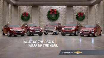 Chevrolet Holiday Bonus Tag TV Spot, 'Holiday Deals: Equinox' - Thumbnail 6