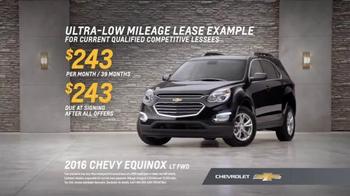 Chevrolet Holiday Bonus Tag TV Spot, 'Holiday Deals: Equinox' - Thumbnail 7