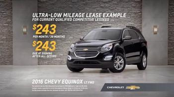Chevrolet Holiday Bonus Tag TV Spot, 'Holiday Deals: Equinox' - Thumbnail 8