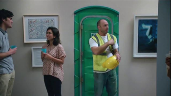 Febreze Air Effects Heavy Duty TV Spot, 'Nose Blind: Bathroom' - Thumbnail 5