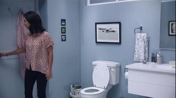 Febreze Air Effects Heavy Duty TV Spot, 'Nose Blind: Bathroom' - Thumbnail 6