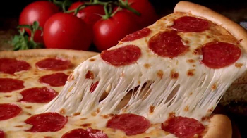 Little Caesars Pizza TV Spot, 'Queso Fresco' [Spanish] - Thumbnail 10