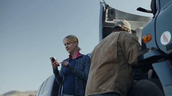 T-Mobile TV Spot, 'Know-It-Alls' - Thumbnail 4