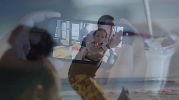 T-Mobile TV Spot, 'Paparazzi Parents' - Thumbnail 5