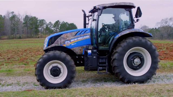 New Holland Agriculture TV Spot, 'Best Camouflage' - Thumbnail 4