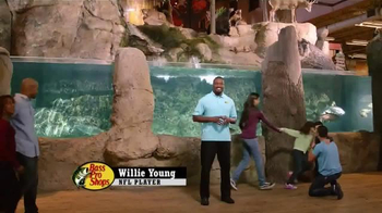 Bass Pro Shops After Christmas Clearance Sale TV Spot, 'Apparel and Items' - Thumbnail 4