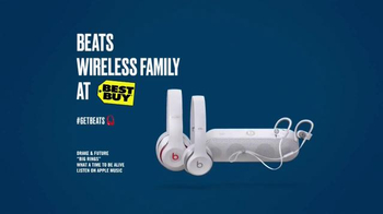 Beats Wireless TV Spot, 'Lazy Gift' Featuring Tracy Morgan - Thumbnail 5