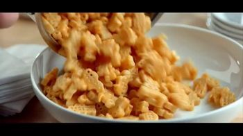 Kraft Macaroni & Cheese TV Spot, 'Officer Dan' - Thumbnail 9