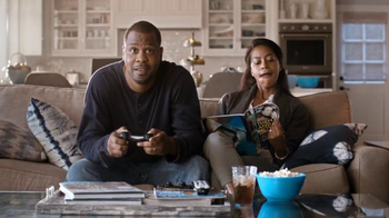 Time Warner Cable 24-Hour Service Turnaround TV Spot, 'Escaping Rom-Com' - Thumbnail 3