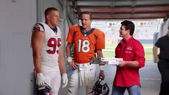 Papa John's TV Spot, 'Pocket Change' Featuring J.J. Watt, Peyton Manning - Thumbnail 4