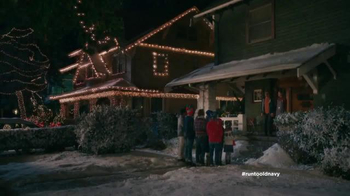 Old Navy TV Spot, 'Carolers' Featuring Carrie Brownstein, Fred Armisen - Thumbnail 1