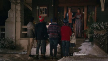 Old Navy TV Spot, 'Carolers' Featuring Carrie Brownstein, Fred Armisen - Thumbnail 9