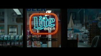 Miller Lite TV Spot, 'Silver Man' - Thumbnail 4