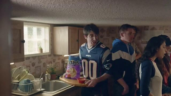 Tostitos Dip-etizers Spicy Queso TV Spot, 'Game Day' - Thumbnail 3