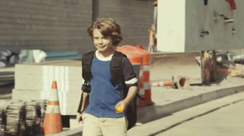 Wonderful Halos TV Spot, 'Good Choice, Kid: Construction' - Thumbnail 8