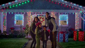 The Home Depot TV Spot, 'La magia de las fiestas: Star Shower' [Spanish] - Thumbnail 7