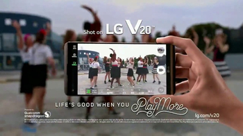 LG V20 TV Spot, 'Everyday, Spectacular' Featuring Joseph Gordon-Levitt - Thumbnail 10