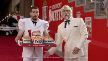 KFC $10 Chicken Share TV Spot, 'Slap' Featuring Rob Riggle - Thumbnail 6