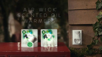 Air Wick Scented Oil Warmer TV Spot, 'Rooms' - Thumbnail 7