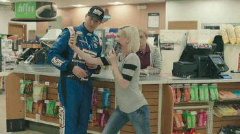 NOS Rowdy TV Spot, 'Can I Get a Photo' Featuring Kyle Busch - Thumbnail 4