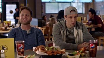 Buffalo Wild Wings TV Spot, 'Haunted' Featuring Antonio Brown - Thumbnail 3